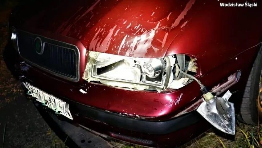 Pijany kierowca potrącił 15-latkę i zbiegł z miejsca wypadku. Nastolatka walczy o życie