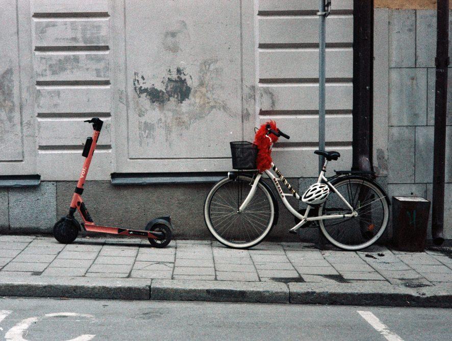 Hulajnogi elektryczne - w Polsce wyjadą na ulice. Jak to wygląda u naszych sąsiadów?