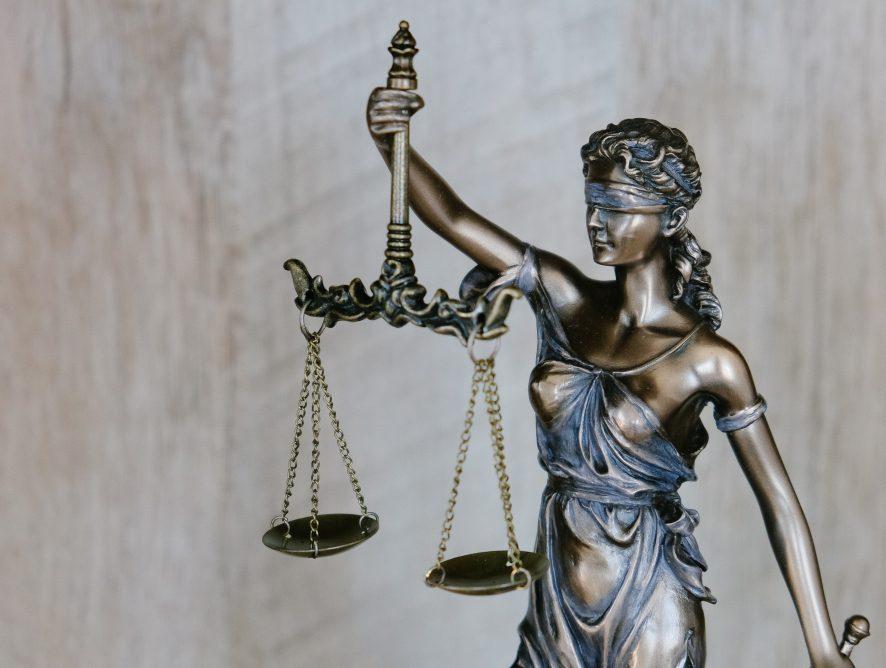 Prawo. 4 grudnia wejdzie w życie pakiet deregulacyjny