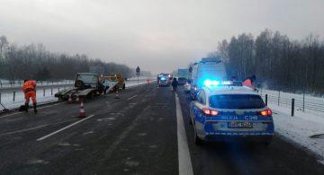 A1 pod Toruniem sparaliżowana. 7 osób zostało rannych