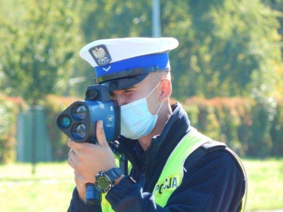 Policjanci wlepiali mandaty... nie potrafiąc obsługiwać radarów!