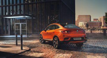 Renault dołącza do ofensywy. Nowy model z ograniczeniem do 180 km/h!
