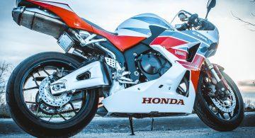 Jak przewozić motocykl?