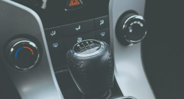Automatyczna czy manualna – która skrzynia biegów będzie lepsza?